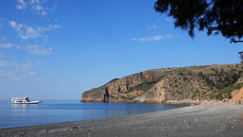 Het lange strand van Sougia