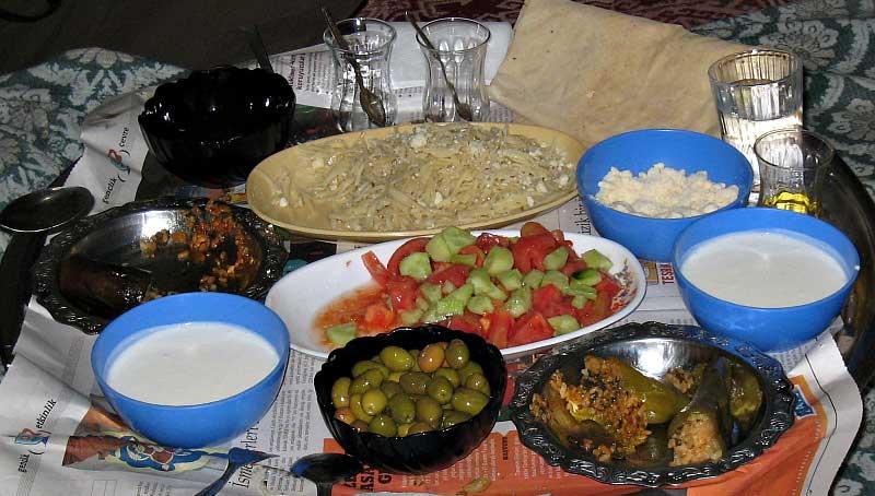 Eten bij gastvrije familie in Turkije