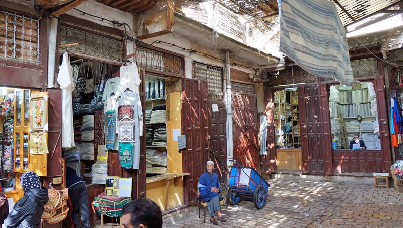Stadswandeling van Bab Boujeloud naar Bab Rcif in medina Fes