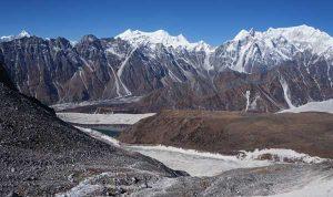 Larkya La in Nepal