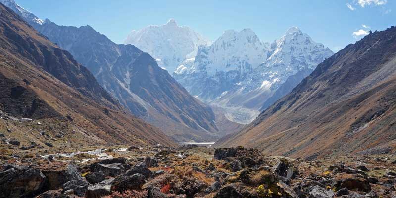 Zicht op de berg Jannu (7711 meter)