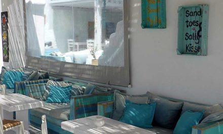 'Sandy toes, salty kisses' en meer zilte zeeteksten voor aan je muur
