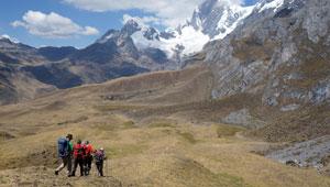 afdaling Cancan-pas - Peru - Cordillera Huayhuash - hiking