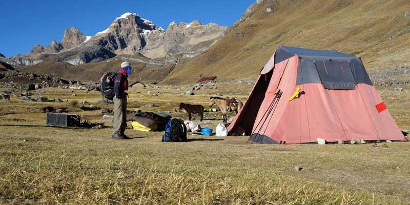 Viconga-kamp Cordillera Huayhuash - Peru - hiking
